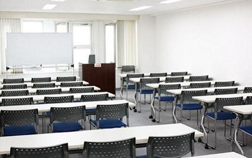 同施設内に2室の貸会議室