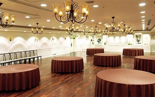 大小さまざまな会場が6フロア・全12室