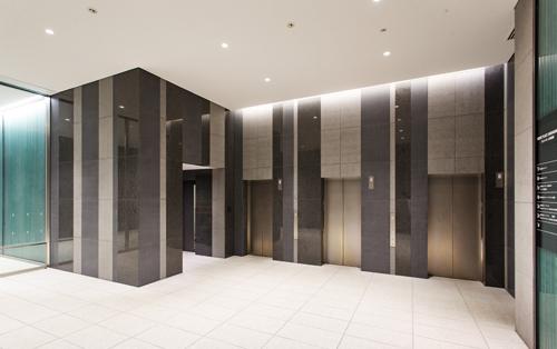 エレベーターは3基ございます