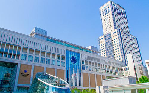 札幌駅西口エリアに位置した好立地。