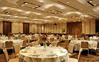 様々なスタイル、目的に会わせてご利用いただける、大宴会場や中・小宴会場をご紹介いたします