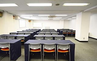 会議室は大中小と揃った全13部屋