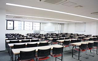 84名収容可能な格安会議室。